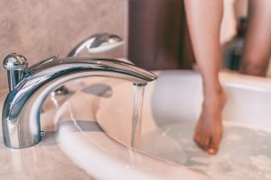 Tips for taking care of your skin during the winter - bath temperature